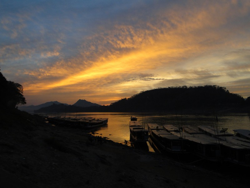 laos_mekong_sunset